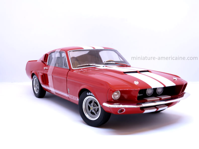 ford-mustang-1-18-miniature-collection-3